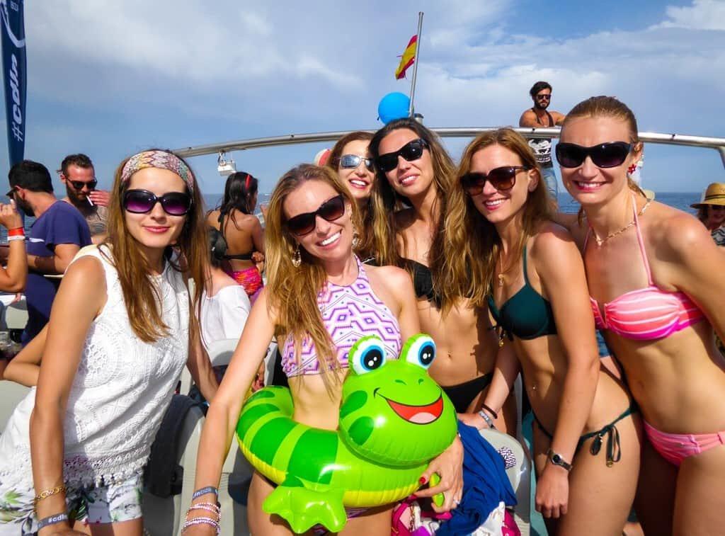 Cirque de la Nuit | Ibiza | Bachelorette Party | Bubbly Moments