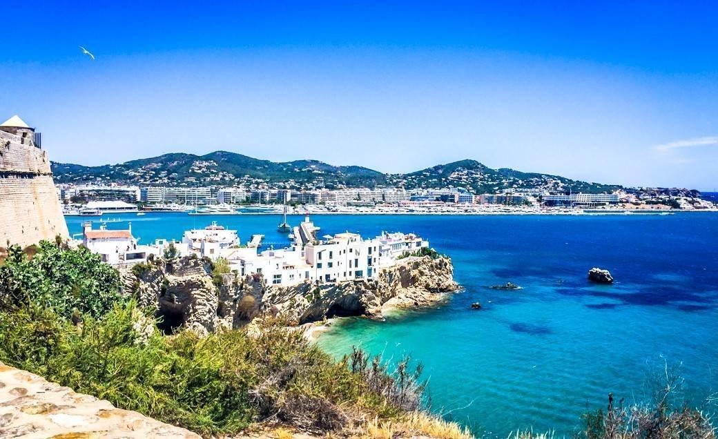 Ibiza Bachelorette Trip | Bubbly Moments
