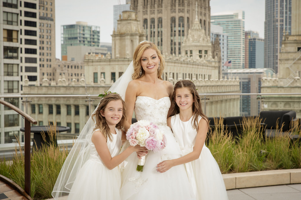 Monique Lhuillier Bridal Gown | Rose Gold Sequins Bridesmaids Gowns | Chicago Wedding | Chicago Skyline | Trump Hotel | Bubbly Moments