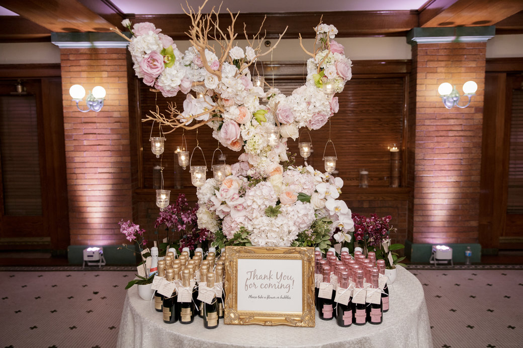 Champagne Wedding Favors | Cafe Brauer | Chicago Wedding | Bubbly Moments
