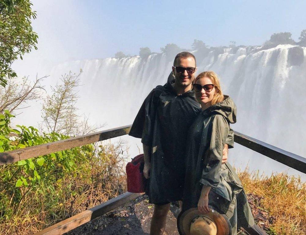 Visit Victoria Falls, Zambezi River, Sanctuary Camp Sussi Chuma