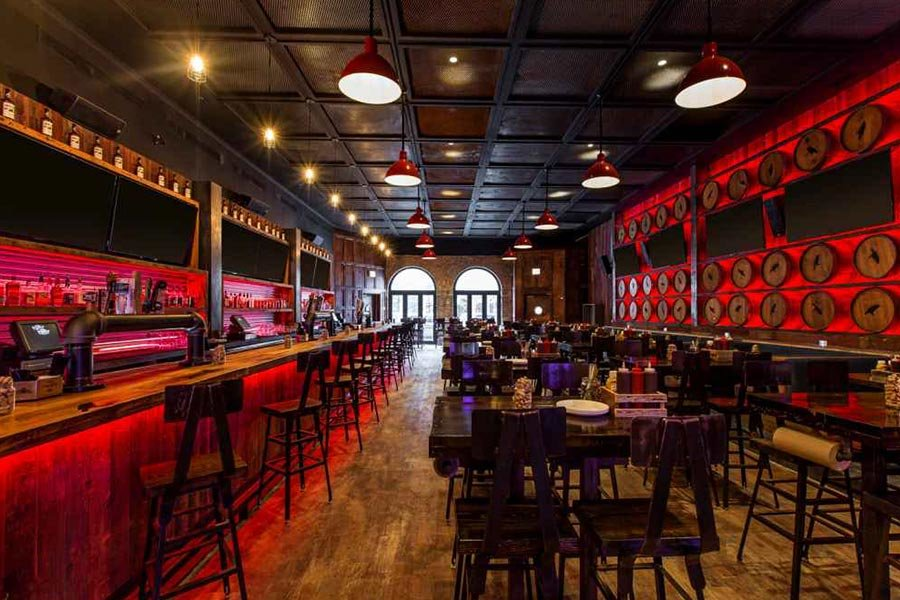 Old Crow Smokehouse | Best Sports Bars in River North | Chicago | Bubbly Moments