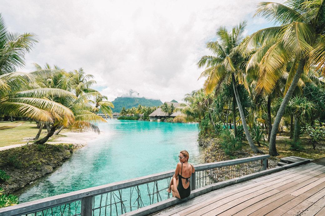 Dazzling Bora Bora | French Polynesia | Blue Lagoon | Paradise | Four Seasons Bora Bora | Tahiti | Island | Overwater Bungalow | Travel | Travel Photography | Bubbly Moments