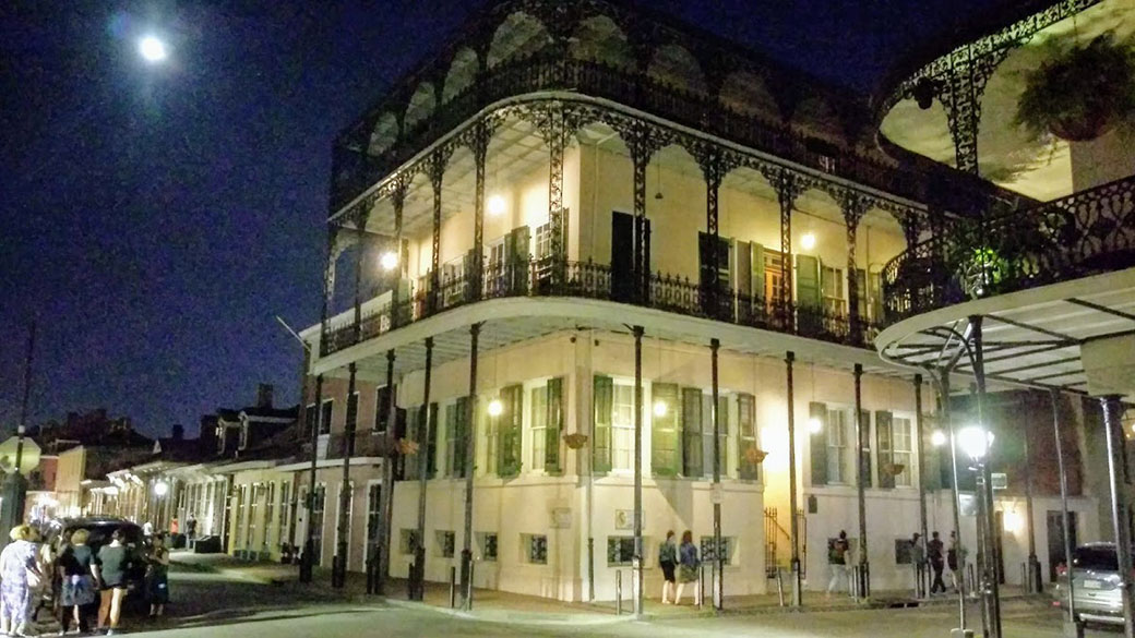 LaLaurie Mansion New Orleans | 8 Creepy Places to Visit around the US | Spooky Places | Travel | Bubbly Moments