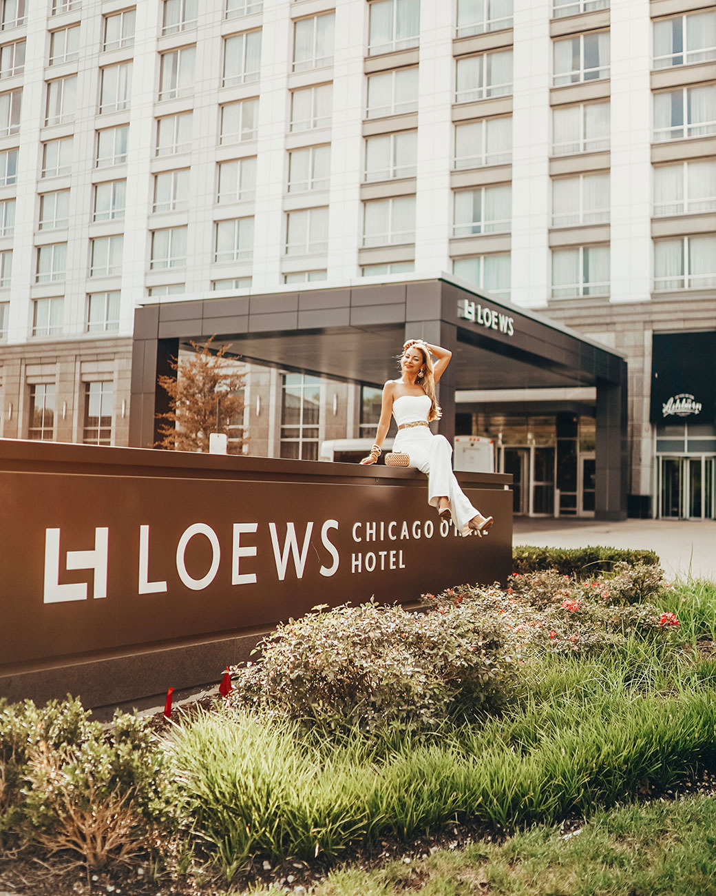 Loews Chicago O'Hare   Chicago staycation   Staycation in Chicago   Chicago staycation ideas   Staycation near Chicago   Rosemont staycation   Rosemont restaurants   Rosemont mall   Hotels by Rosemont   Travel Chicago   Bubbly Moments