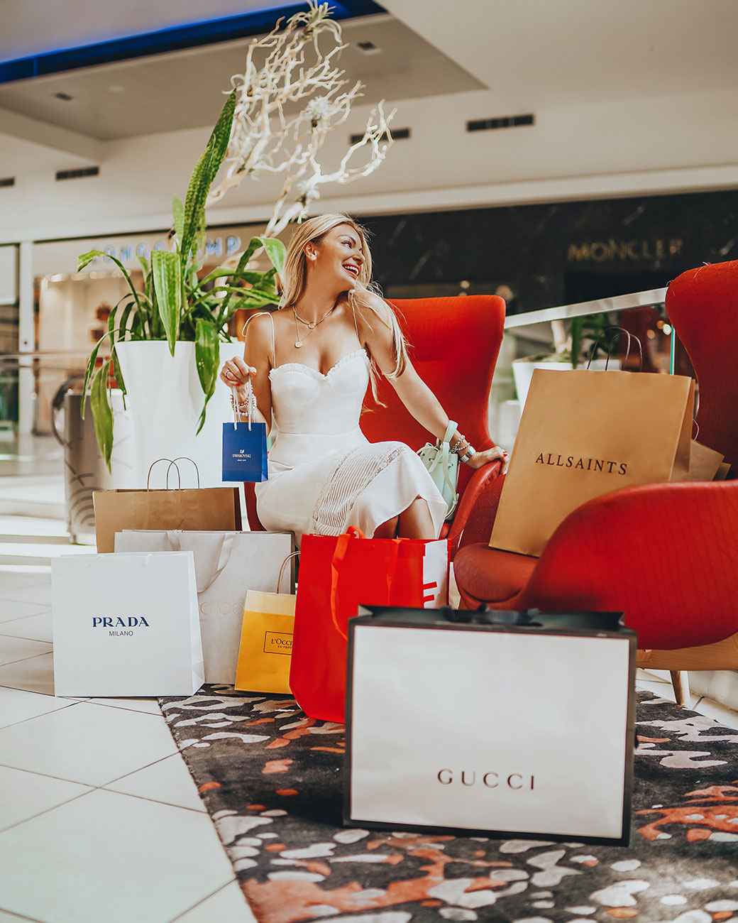 Fashion Outlets of Chicago   Chicago staycation   Staycation in Chicago   Chicago staycation ideas   Staycation near Chicago   Rosemont staycation   Rosemont restaurants   Rosemont mall   Hotels by Rosemont   Travel Chicago   Bubbly Moments